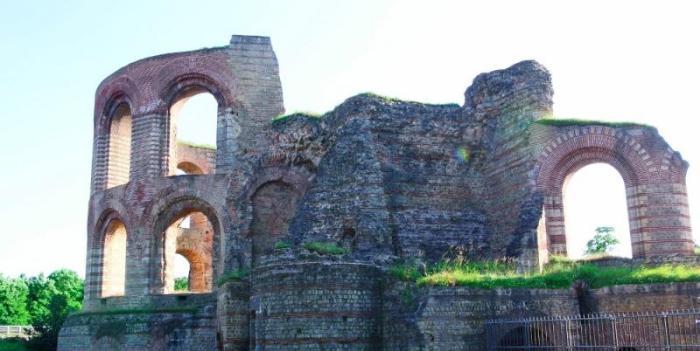 Императорские римские бани Kaiserthermen