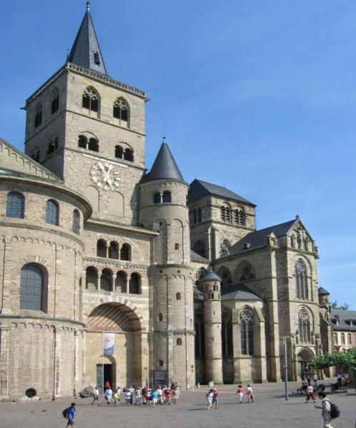 Trier Dom и Liebfrauenkirche (Церковь Богоматери) в городе Трир
