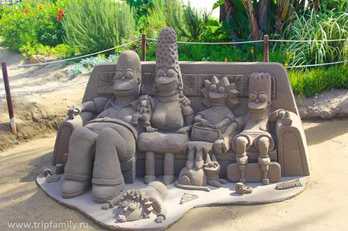 Одна из фишек города Торремолинос - это скулптуры из песка. Их делали местные хиппи за спасибо в виде монеток евро) За три месяца мы их увидели ооочень много. Но при этом каждый раз восхищались, как в первый)