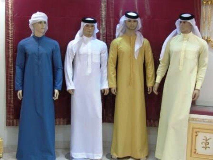 Национальная мужская одежда в Абу-Даби