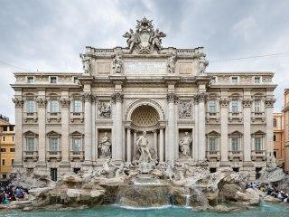 Фонтан Треви — струящиеся воды Альп на трех улицах Рима