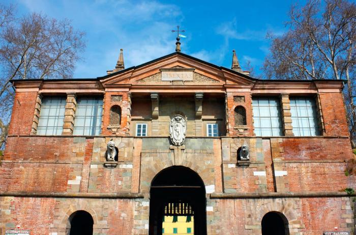 Городские ворота Porta san Pietro, Лукка