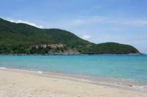 Дикий пляж Бай Зай