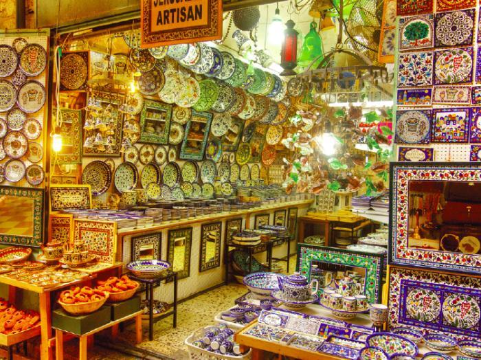 Сувениры, покупки и грамотный шоппинг в Иерусалиме: от рынков до бутиков