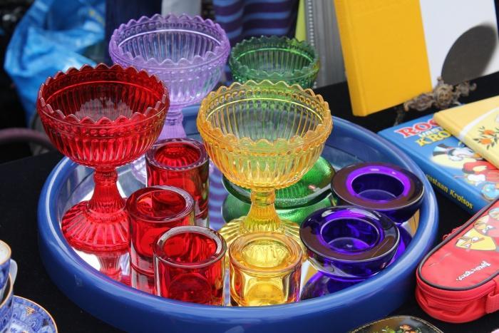 Блошиный рынок в Хельсинки, посуда.jpg
