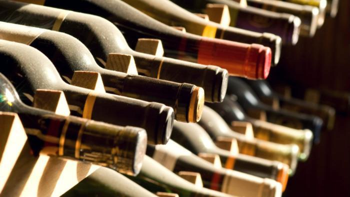 Вино в бутылах