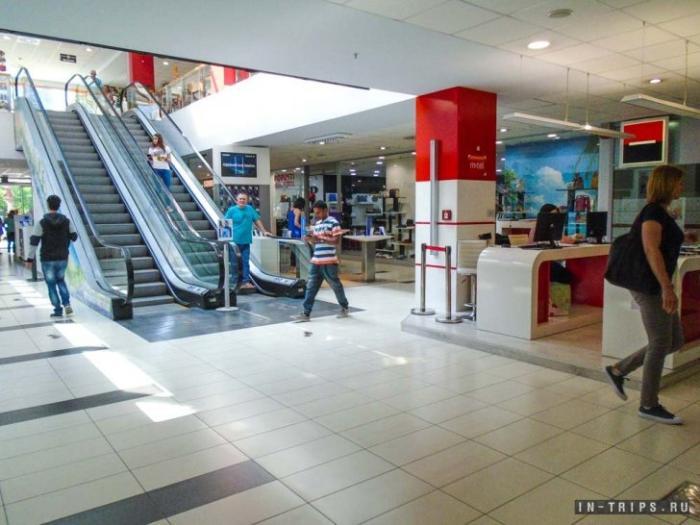 Первый этаж торгового центра Камелия