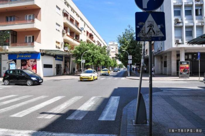 Вот так выглядит одна из торговых улиц в туристическом квартале Подгорицы