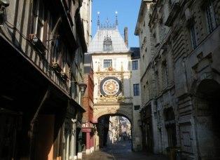 Руан - улица Больших Часов (rue du Gros Horloge)