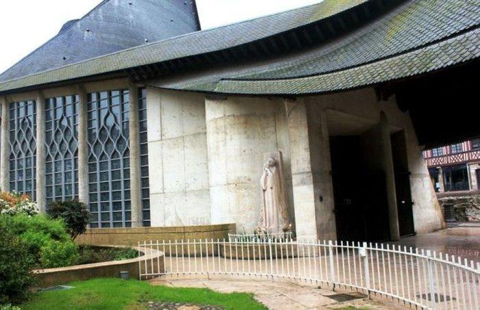 Церковь Жанны д'Арк (Jeanne d'Arc)