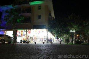 Ночная прогулка по поселку Кириш (Турция)