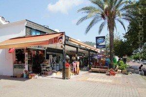 Типичный магазин Кириша