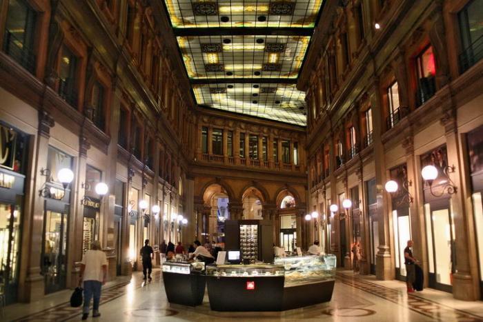 Галерея Альберто Сорди (Galleria Alberto Sordi) в Риме
