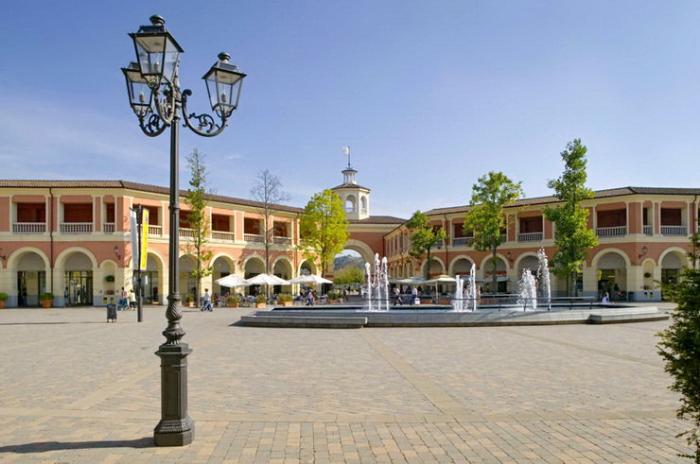 Serravalle Designer Outlet в Милане