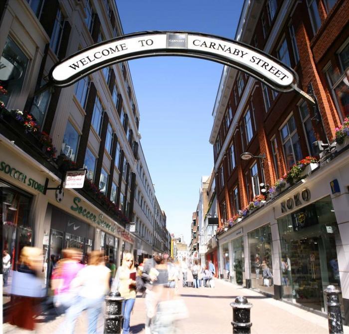 Улица Carnaby, Лондон, Великобритания.jpg