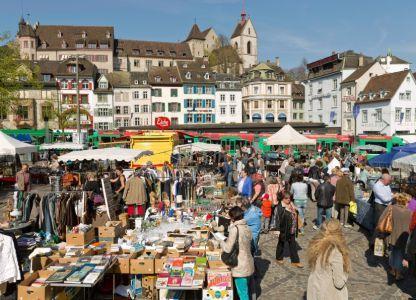 Блошиный рынок на Barfusserplatz