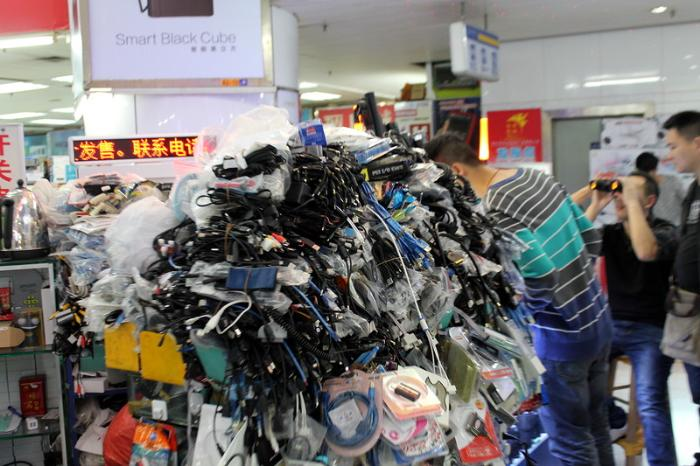 Электронный рынок HuaQiangBei в Шэньчжэнь