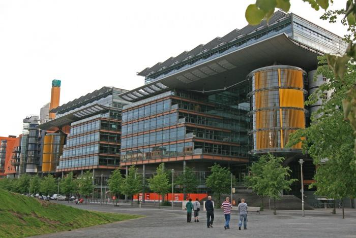 Potsdamer Platz Arkaden.jpg