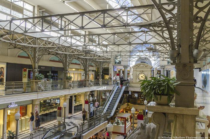 24. К разряду шикарных можно причилсить торговый центр Patio Bullrich.
