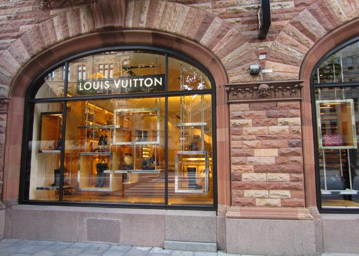 Район Östermalm - магазин Louis Vuitton