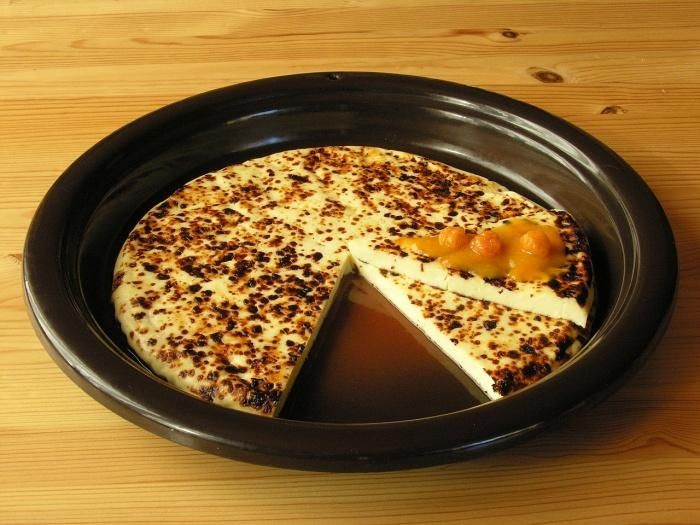 «Сырный хлеб» с морошковым вареньем.jpeg