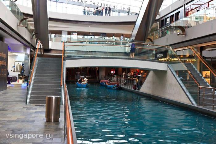 Река в Марина Бэй Сэндс Сингапур