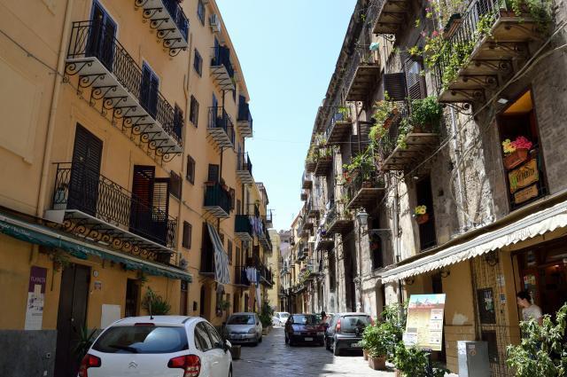 Торговая улица в Палермо