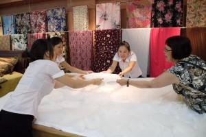 Фото: Шелковые одеяла - один из наиболее распространенных подарков