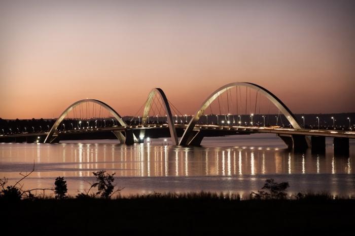 Мост JK, Бразилиа.jpg