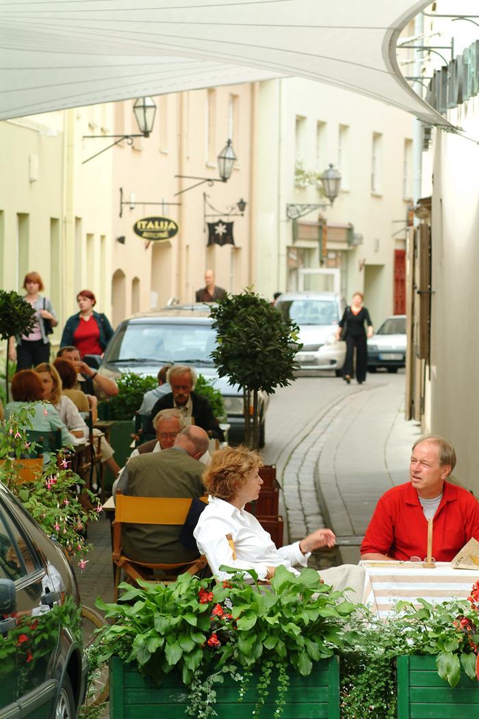 Уличное кафе в Вильнюсе.JPG