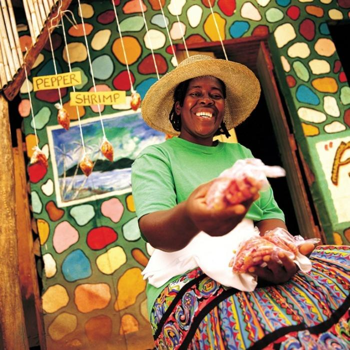 Колоритная уличная торговка, Ямайка.jpg