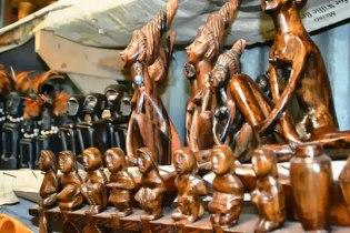 Шоппинг в Бразилии - Фигурки из дерева