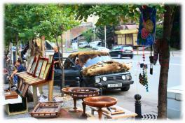 Рынок картин и сувениров ручной работы