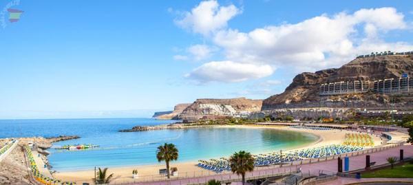 Знаменитый Playa de los Amadores