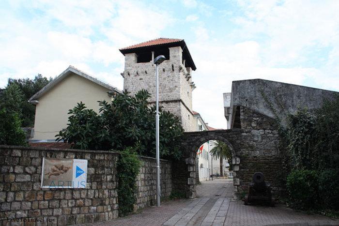 Достопримечательности Тивата - Дворец Буча