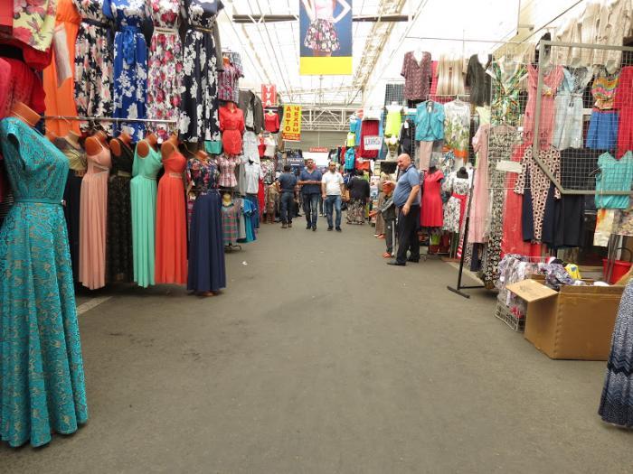 Вещевые рынки в Пскове