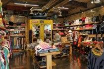 Магазин одежды Paperinos