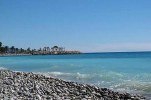 Пляж в Ментоне