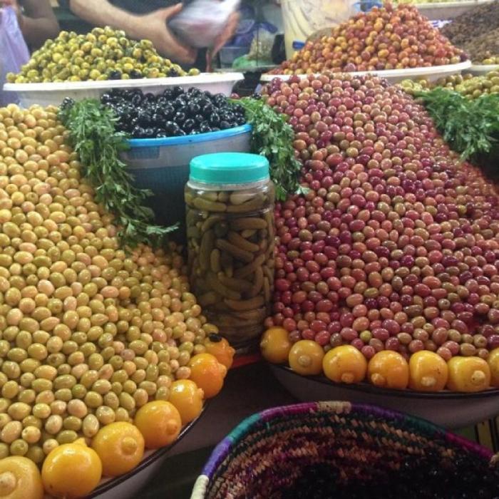 Оливки на рынке