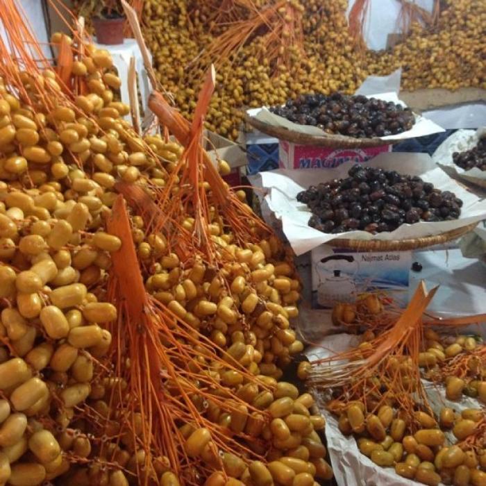 Оливки продаются прямо на ветках или россыпью