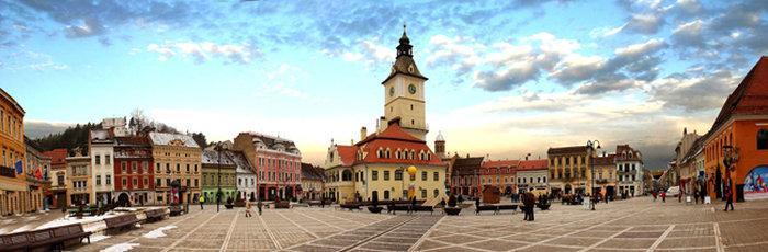 История и архитектура города привлекает множество туристов