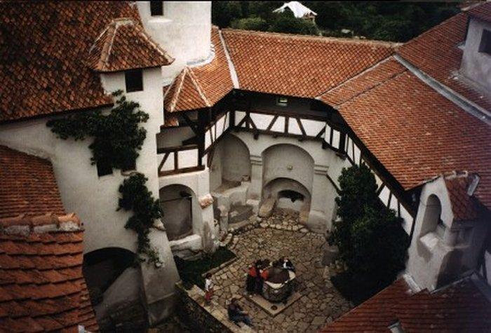 Замок Бран в 20 км от Брашова
