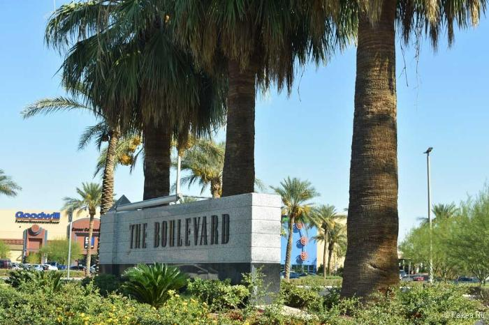 Las Vegas Boulevard Mall