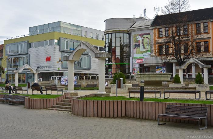 Магазин H&M в Попраде - единственный большой магазин в центре города
