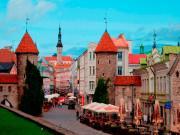 old-city-in-tallinn-estonia_fn