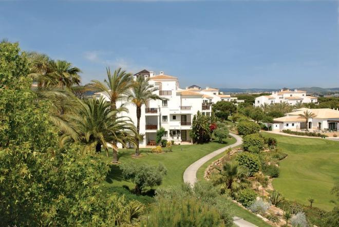 Отель Pine Cliffs Village & Golf Suites