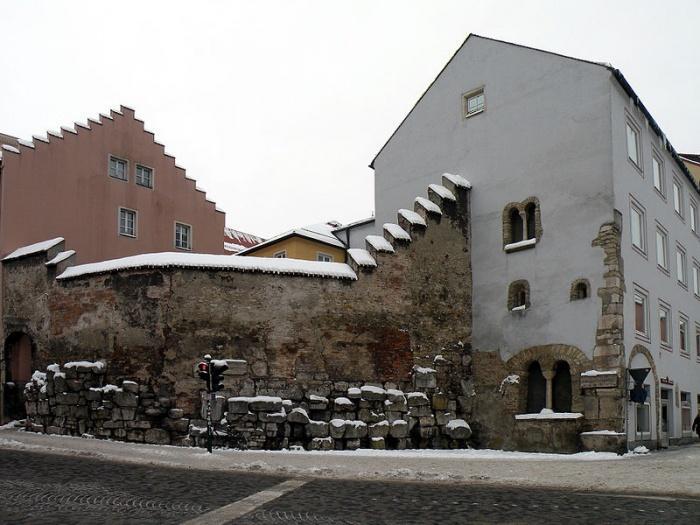 Стена римского времени, Регенсбург.jpg