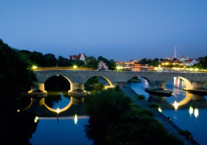 Вид на Каменный мост, Регенсбург.jpg