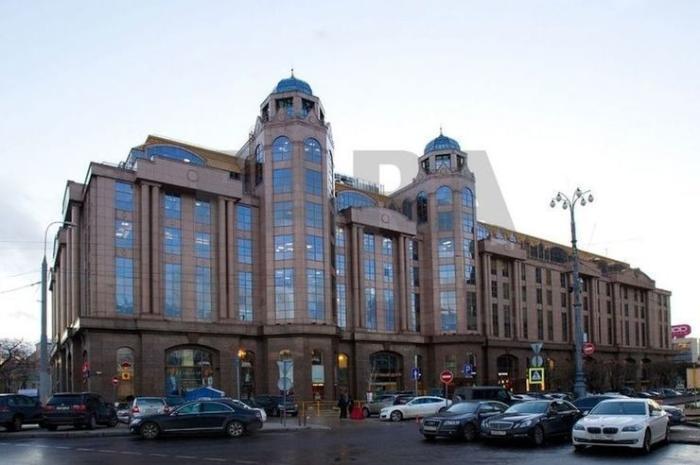 Новинский пассаж Топ-7 самых элитных торговых центров Москвы Топ-7 самых элитных торговых центров Москвы 1 14