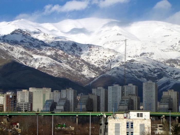Панорама района Тегерана, Саадат Абад.jpg